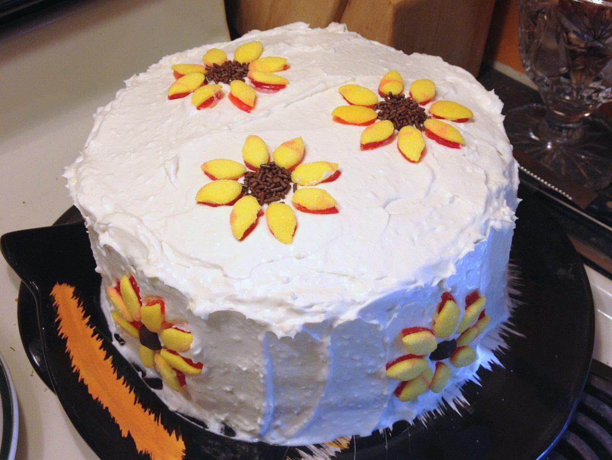 Easy sunflower cake decorations