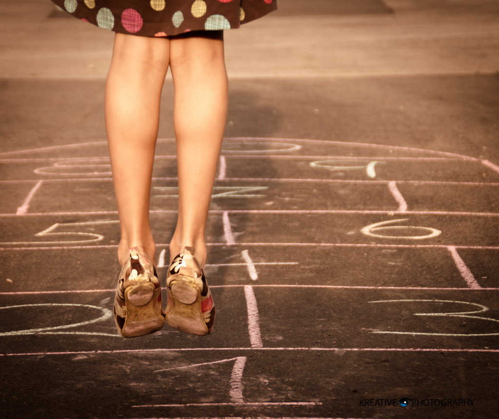 Outdoor play ideas: learn to play hopscotch right