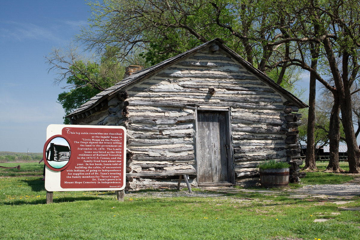 A replica of the cabin described by Wilder in Little House On The Prairie > Laura Ingalls Wilder: American Writer on the Prairie review
