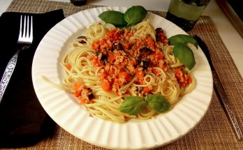 vegan pasta puttanesca recipe Joy Makin Mamas